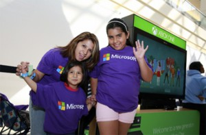 Customers line up at New York's newest Microsoft store
