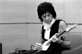 Jeff Beck (Photo by Ross Halfin)