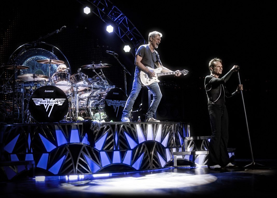 Aging Live Without A Net Fans Welcome Van Halen Back Long Island Weekly