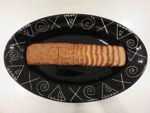 Golden Roast Vegetarian Duck is made of arum-root starch, soy powder, mushrooms, vegetables, bean curd and seasonings.