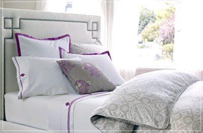 NANETTE Octavia Bed