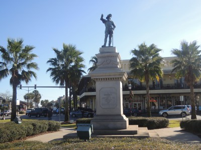 A statue in downtown St. Augustine erected in honor of Spanish explorer and governor of Puerto Rico, Juan Ponce de León, who claimed La Florida for the Spanish crown while sailing as far north of the future site of St. Augustine in 1513. (Photos by Dave Gil de Rubio)