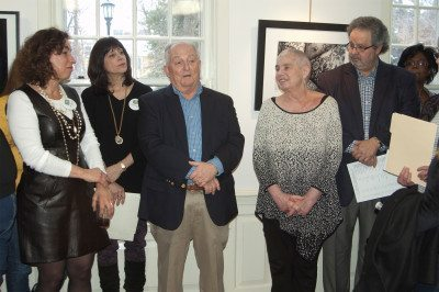 From left: The Art Guild copresidents Ilene Silberstein and Shelley Holtzman, photo exhibit committee members, Dave Wollin and Barbara Spivak; Juror-of-Awards, Harold Naideau. (Photo by Susan Herbst)