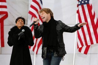 "Bettye LaVette performing ""A Change is Gonna Come"" with Jon Bon Jovi at the 2009 Obama Inaugural Celebration at the Lincoln Memorial"