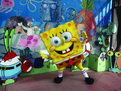 Take photos with the Teenage Mutant Ninja Turtles, Shimmer and Shine, SpongeBob SquarePants and more.