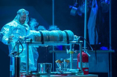 Alton Brown undertakes larger than life food experiments. (Photo by David Allen)