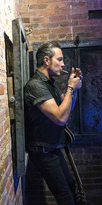 Sex&Drugs&Rock&Roll - Pictured: John Corbett as Flash. CR. Danny Clinch/FX