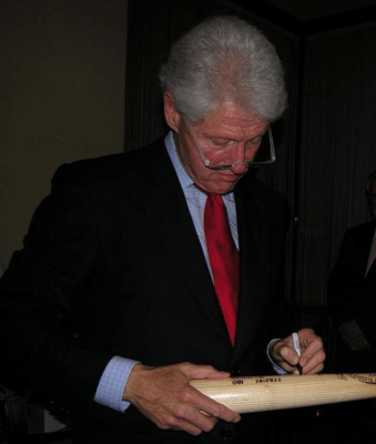 autographs_100716c-billclinton