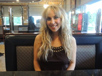 Candice Night hanging at a diner close to her Long Island home (Photo by Dave Gil de Rubio)