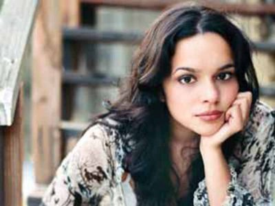 Norah Jones Nov. 29 at the Beacon Theatre