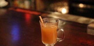 Spiced Sweet Vanilla Apple Cider Warm Winter Cocktails
