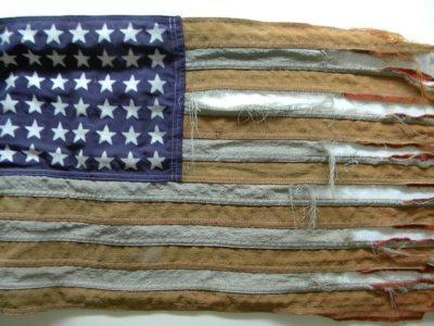 tattered-flag-432580_640