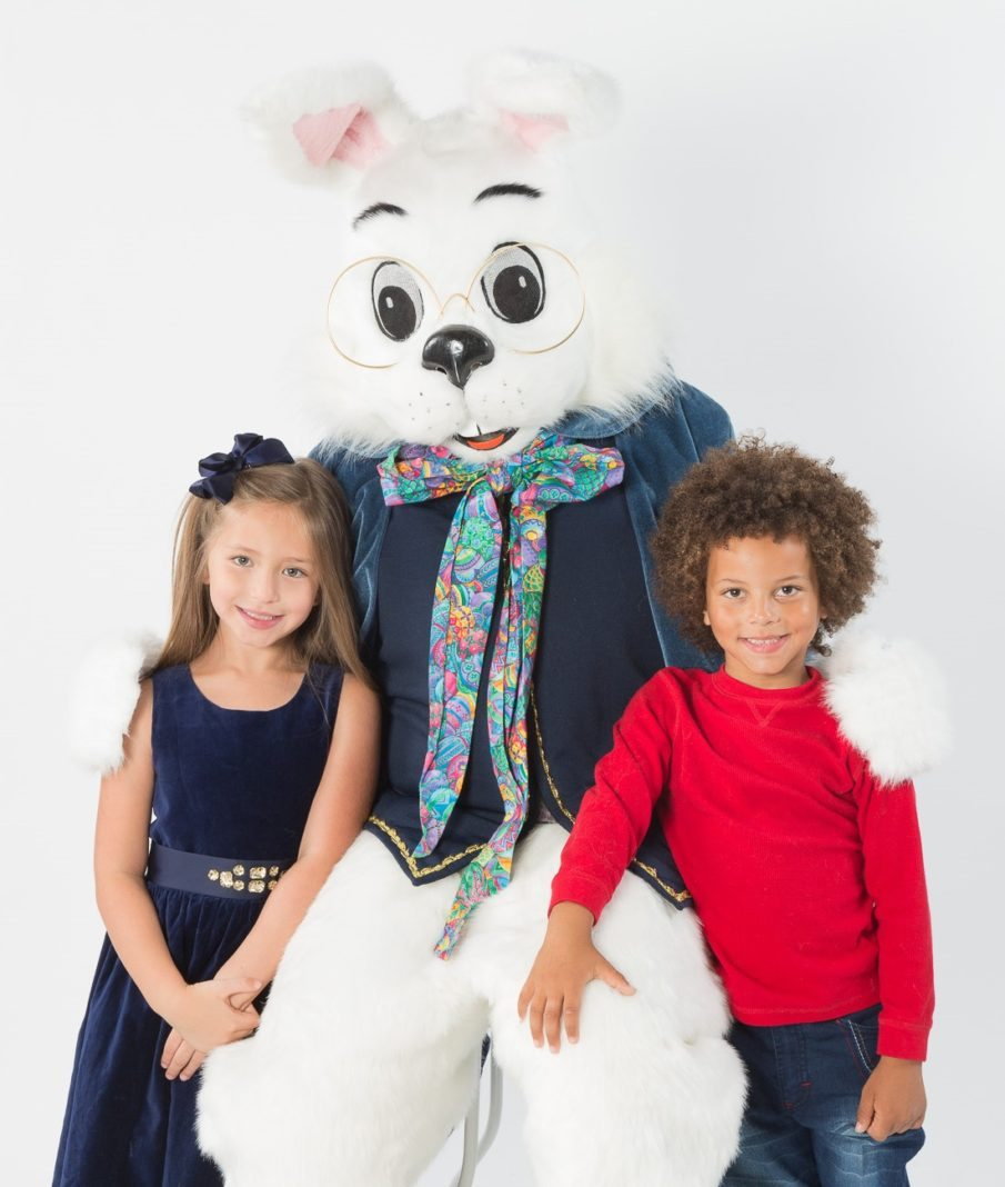 Easter Bunny Arrives At Roosevelt Field - Long Island Weekly