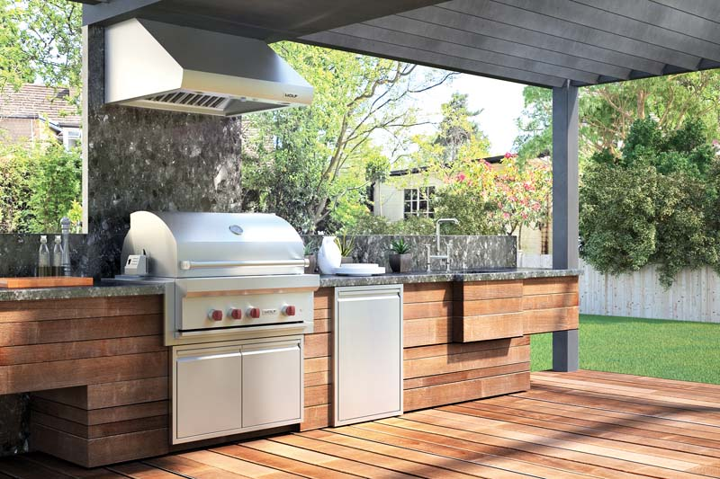Outdoor Kitchens Up The Ante On The Summer Entertaining Game